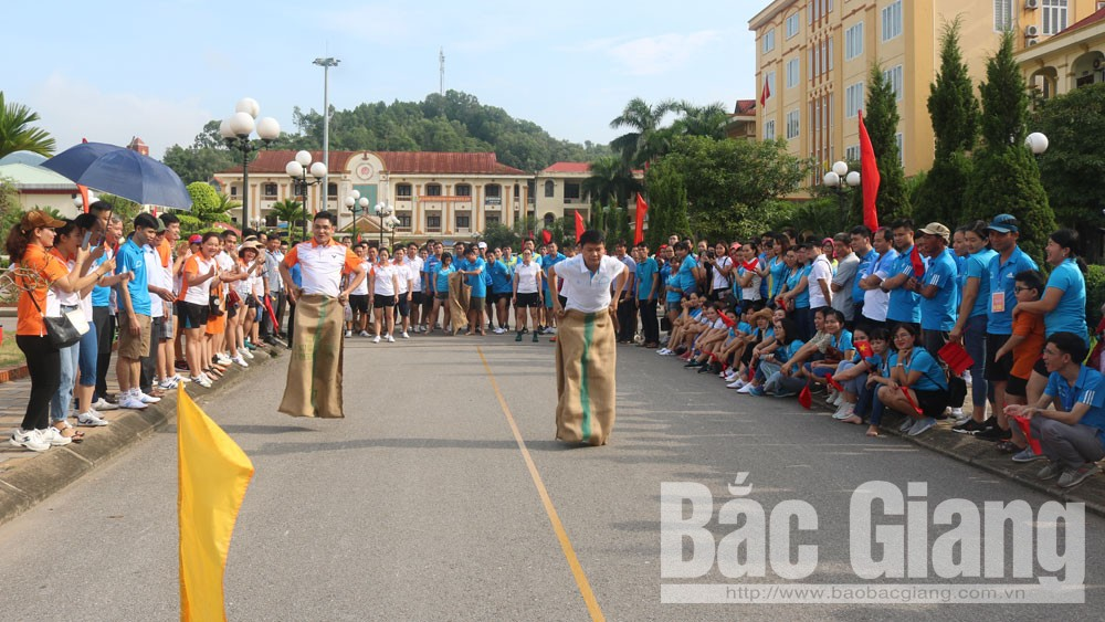 Giải thể thao kỷ niệm 74 năm Ngày truyền thống văn phòng cơ quan hành chính nhà nước
